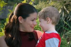 Rodiče mohou zdarma vymáhat výživné od partnerů s majetkem a příjmy na Slovensku