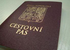 Pasy i občanské průkazy lze platit kreditkou