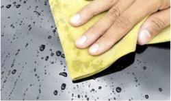 Take Vám vadí v dešti stěrače? Ošetřením nanotechnologíí se na skle neudrží ani kapka