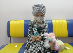 Koronavir a jeho dopad na vážně nemocné. Lidé z Prahy 10 pomáhají i nadále